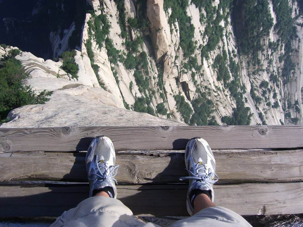 Mount Huashan, China: The Most Dangerous Hiking Trail in the World 2