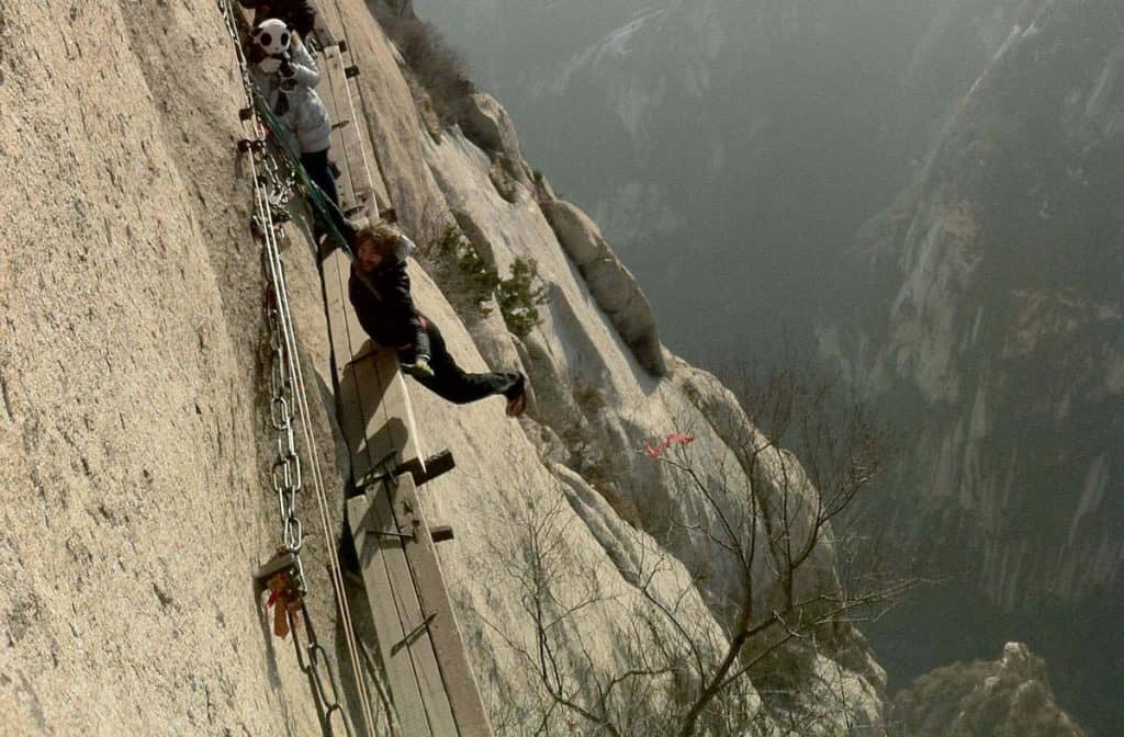 Mount Huashan, China: The Most Dangerous Hiking Trail in the World 4